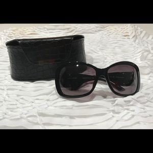 New Authentic Gianfranco Ferré Sunglasses in Box